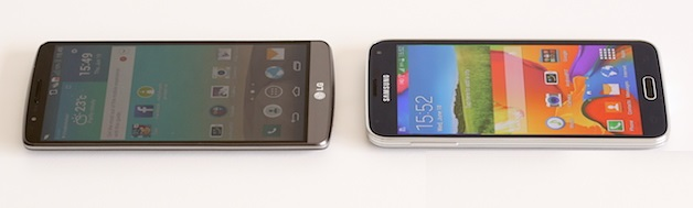 screen-comparison-lg-g3-galaxy-s5-view-angle-1