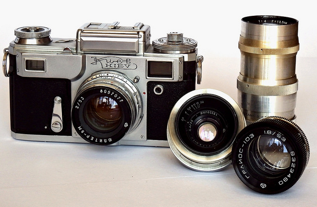 old-camera-and-lenses